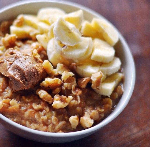 proteingröt, carrot cake oats, proats, protein oats, morotskaka, morotskaka gröt, morotskakegröt, proteingröt, deffa,